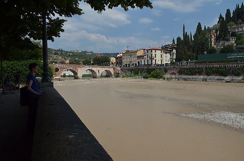 ponte-pietra.JPG